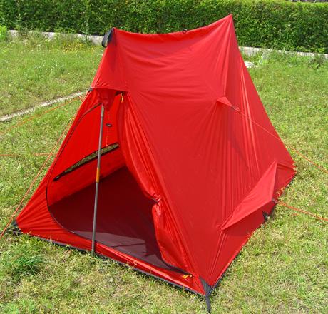 однослойная бескаркасная палатка